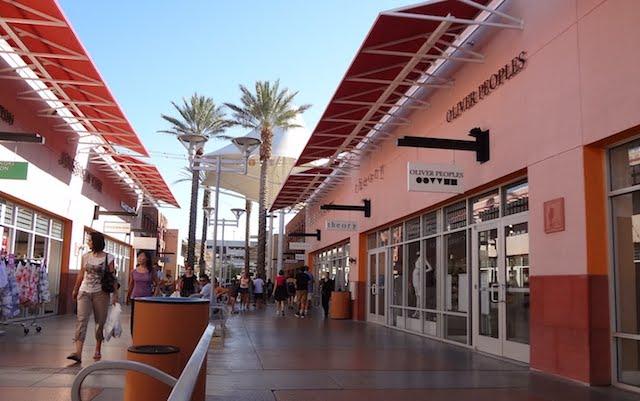 Las-Vegas-Premium-Outlets-2
